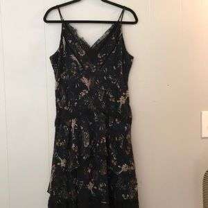 Adeline Rae tiered floral dress with lace accents